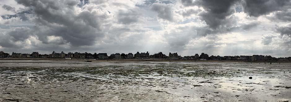 Les villas de Lion-sur-Mer et d'Hermanville-sur-Mer.