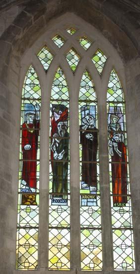 Église Saint-Pierre – Vitraux
