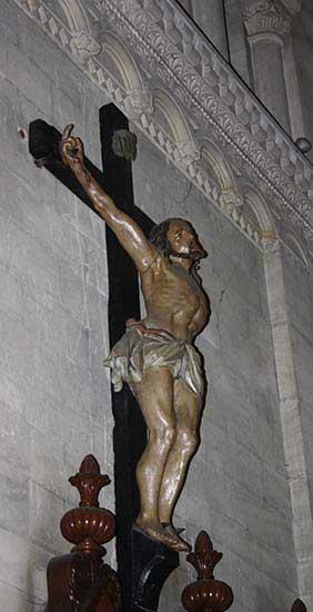 Église Saint-Pierre – Le Christ