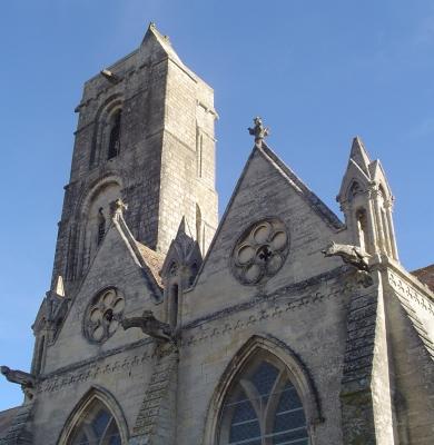 Plein feu sur l'église Saint-Pierre