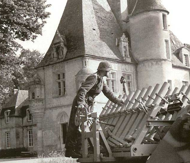 30 mai 1944 – Défense allemande au château de Lion sur Mer devant Rommel