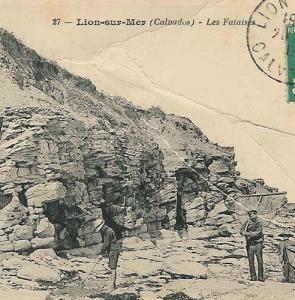Lion-sur-Mer – falaise confessionnaux
